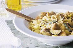 Kijk wat een lekker recept ik heb gevonden op Allerhande! Romige pasta met kip en courgette
