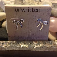 """^^^HOST PICK^^^Sterling Silver Tied In Bows! 1/2"""" across & vertically. Gorgeous earrings! Jewelry"""