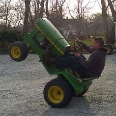 Geoff Tows doing a wheely Zero Turn Mowers, Lawn Care, Lawn Mower, Tractors, Outdoor Power Equipment, Garden, Lawn Edger, Garten, Lawn Maintenance