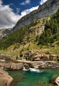 Parque Nacional de Ordesa, Huesca region, Aragon, Spain Tourism b. Places Around The World, Oh The Places You'll Go, Cool Places To Visit, Places To Travel, Around The Worlds, Natural Swimming Ponds, Places In Spain, Sea Photography, Spain And Portugal