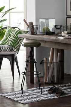 Urban Jungle palm trend decoration HM home 2016 Hm Home, Decor Inspiration, Decor Ideas, Interior Decorating, Interior Design, Home And Deco, Interior And Exterior, Home Office, Entryway Tables