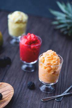 Se cercate un gelato composto al 100% di frutta, la frutta gelata è quello che fa per voi: un modo fresco e delizioso per fare scorta di vitamine e sali minerali! (Light recipes: iced fruit)