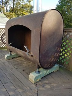 A huge re-purposed tank fire place Fire Pit Grill, Diy Fire Pit, Fire Pits, Backyard Fireplace, Fire Pit Designs, Stove Fireplace, Rocket Stoves, Fire Bowls, Outdoor Fire