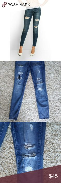 Guess Kate Skinny Distressed Low Rise Jeans Great condition! Kate Skinny style. They have a great stretch to them but still fit snug - low rise and slim fit. Guess Jeans Skinny