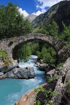 Le Vénéon river, Parc National des Écrins, France