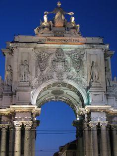 Arco do Triunfo da Rua Augusta - Terreiro do Paço Barcelona Cathedral, Arch, Building, Travel, Sidewalk, Lisbon, City, Architecture, Bow