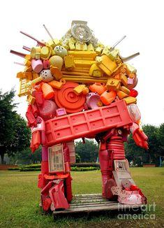 trash sculptures ideas