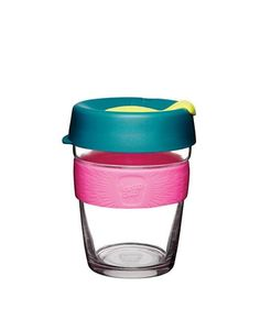 The KeepCup Brew series is made of barista standard tempered glass – for those who relish the café experience and want to take it home, to work or on the move. Disposable Coffee Cups, Makeup Beauty Box, Take Away Cup, Glass Coffee Cups, Reusable Coffee Cup, Change Maker, Natural Deodorant, Coffee Drinks, Coffee Shop