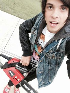 I do not trust this guy with a chainsaw alex what are you doing put that down Scene Guys, Emo Scene, Alex Ramos, Cute Emo Boys, Dan And Phil, Youtubers, I Laughed, Beautiful People, Baby Cakes