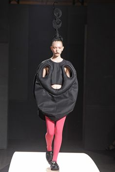 Comme des Garçons RTW Spring 2014 Photo by Giovanni Giannoni