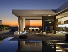 Harborview Hills in California by Laidlaw Schultz Architects