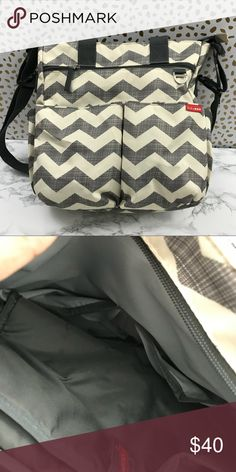 Skip hop Diaper bag Barely used, bought another shoulder bag so this is just sleeping in my closet! Skip Hop Bags Baby Bags