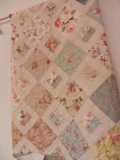 low volume prints with a lot of white i love this quilting in the rh pinterest com easy shabby chic quilt patterns shabby chic quilting patterns