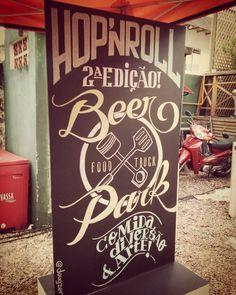 Painel de hoje aqui no 2° Hop'n Roll Beer Park! Food trucks, cerveja e boa música :) #chalkboard #chalk #lettering #beer #foodtruck #calligraphy #handmade #type #typography