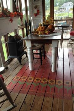 Rustic Farmhouse Style Porch Decorating Ideas - love the painted floor! Painted Porch Floors, Porch Paint, Porch Flooring, Painted Rug, Painted Floor Cloths, Stenciled Floor, Painted Decks, Farmhouse Flooring, Rustic Farmhouse