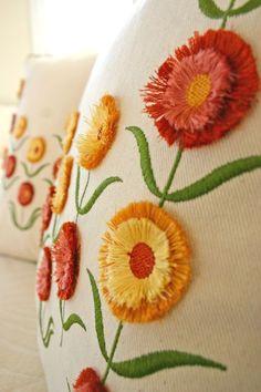 Blog almohadilla de la flor abierta...Hermoso trabajo de bordado a maquina!!