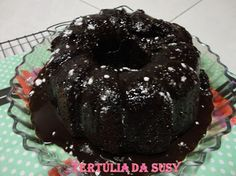 Bundt Fresh ginger and chocolate gingerbread/Bundt de gengibre fresco e gengibre de chocolate http://tertuliadasusy.blogspot.pt/2013/04/bundt-fresh-ginger-and-chocolate.html