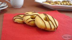 Ricetta per realizzare dei semplici e gustosi frollini zebrati. Perfetti per l'ora del tè e da servire ai vostri ospiti.