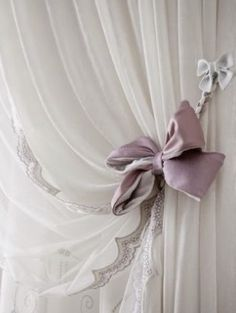 Kate tenda - 8 станислав curtains, curtain designs, drapes c Shabby Chic Curtains, Shabby Chic Bedrooms, Diy Curtains, Curtains With Blinds, Bedroom Vintage, Pleated Curtains, Rideaux Shabby Chic, Rideaux Design, Ideas Prácticas
