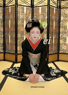"Maiko Toshikana. Maiko's traditional Japanese dance ""Kurokami(Black hair)"""