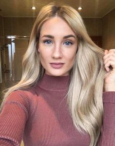 Top model & all round mega babe wearing our Luxe Volume Clip Ins in shade 'Rooted Dirty Blonde' Medium Hair Styles, Curly Hair Styles, Hair Rehab London, Hair Trends 2018, Blonde Roots, Blonde Hair Extensions, Super Hair, Face Hair, Human Hair Wigs