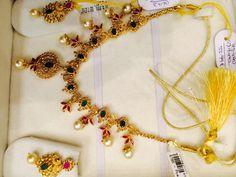 40 Gms set Coral Jewelry, Diamond Jewelry, Fine Jewelry, Simple Necklace Designs, Uncut Diamond, Temple Jewellery, Gold Fashion, Gold Bangles, Indian Jewelry
