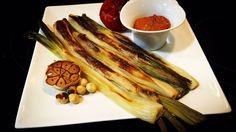 Calçots con salsa romesco #calçot #calsot #cebolla #vegetarian #vegetables #vegi #vegano #vegan #veggie #veganfood  #taste #instagood #tasty #cheflife #chef #gastronomie #foodlovers #foodstyling #foodporn #foodgasm #foodphotography puedes seguirnos en Http://Koketo.es Chef Koketo #koketo ♫ Handsome Boy Modeling School - The Truth Hecho con Flipagram - https://flipagram.com/f/kcr4qWMEr2