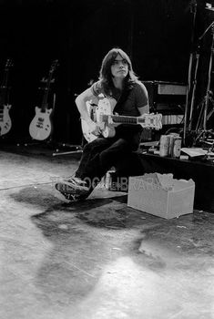 Guitar Strumming, Malcolm Young, Ac Dc Rock, Angus Young, Photo Logo, Rock N Roll, Husband, Music, Musica
