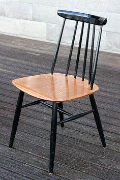 Ilmari Tapiovaara, Fanett-tuoli Nordic Design, Scandinavian Design, Dream Furniture, Furniture Design, Ercol Chair, Beautiful Homes, Dining Chairs, Home And Garden, Table