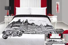 Biała dwustronna narzuta na łóżko z czarnym obrazkiem Paris