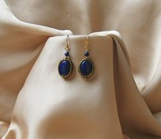 https://flic.kr/p/WdMdz5   ROYAL BLUE   Set : necklace and earrings made of natural lapis lazuli , Miyuki Delica beads , gold (18 kt.) plated silver 925 and bronze leather cord.