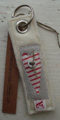 ♥♥Schlüsselanhänger aus handgefilzter Merinowol...