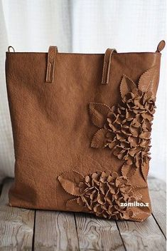 ultrasuede or leather purse Leather Accessories, Leather Jewelry, Leather Craft, Leather Purses, Leather Handbags, Leather Purse Diy, Handmade Handbags, Leather Bags Handmade, Handmade Bags