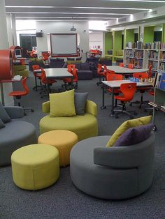 Combination of lounge space and collaborative space school library decor, library ideas, teen library Teen Library Space, School Library Design, Middle School Libraries, Elementary Library, Library Ideas, Modern Classroom, Classroom Layout, Classroom Design, School Classroom