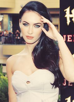 Megan Fox her makeup is literally perfect here
