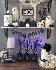 Halloween Tags, Soirée Halloween, Dollar Store Halloween, Spooky Halloween Decorations, Halloween Home Decor, Holidays Halloween, Modern Halloween, Spooky Decor, Halloween Parties