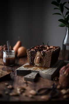 Gingerbread Pecan Pear Cake + Maple Caramel - The Kitchen McCabe Dark Food Photography, Chocolate Belga, Pear Cake, Eat This, Food Styling, Gingerbread, Caramel, Sweet Tooth, Dessert Recipes