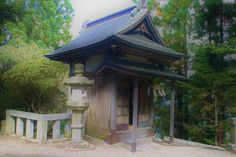 The small shrine by Tim Ernst on 500px