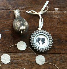 pewter medallion frame wedding favour www.bohemiandreams.co.uk