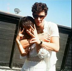 Another photo with Shawn Mendes and Camila Cabello from July 2019 # shawmila Shawn Mendes Lindo, Shawn Mendes Cute, Shawn And Camila, Shawn Mendas, American Music Awards, Aaliyah, Ed Sheeran, Fangirl, Foto Gif