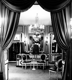 Jean-Marc Fray Antiques  | Current Inspiration #cecilbeaton shot #Dior Store, #Paris