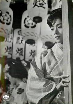 enzantengyou: p7919岩下志麻『古都 (1963』美品 Via Yellowmenace.tumblr Japanese Film, Vintage Photography, Actresses, Movies, Inspiring People, 1940s, Kimono, Asian, Beauty