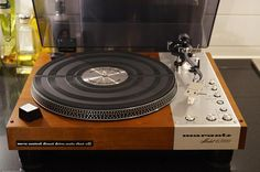 Marantz Model 6300 Direct Drive Turntable. Found on facebook: https://www.facebook.com/odechelette/photos/pcb.624013904468217/624013354468272/?type=3&theater