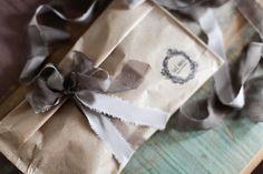 Упаковка перед отправлением. Шелковые ленты | Окрашены вручную растениями с любовью! Вопросы и заказы: vk.com/nika_flor / Почта soulhouse@list.ru WhatsApp +7 982 64 13071 Инстаграм: @_soulhouse_ ________ Шелковые ленты в наличии и под заказ! #SoulHouse_silkribbons #SoulHouse_мастерская #шелковыеленты #silkribbon #silkribbons #handdyed