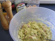 Cuketový slaný koláč (fotorecept) - obrázok 4 Guacamole, Mexican, Ethnic Recipes, Food, Basket, Essen, Meals, Yemek, Mexicans
