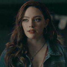 Vampire Diaries Funny, Vampire Diaries The Originals, The Cw, Daniella Rose, Estilo Harry Potter, The Orignals, Looks Pinterest, Hope Mikaelson, The Originals Characters