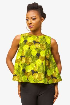 Floral ankara top with velvet back zipper African Bridesmaid Dresses, African Dresses For Women, African Attire, African Wear, African Fashion Dresses, African Clothes, African Style, Ankara Tops, Mode Wax