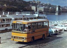 orig: TÖRÖK GYULA MAGYARORSZÁG BUDAPEST V. pesti alsó rakpart, Ikarus 663 típusú autóbusz, mögötte a DRUŽBA Csehszlovák üdülőhajó.