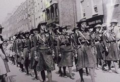 Easter Rising 1916 - Irish War of Independence - Cumann na mBan Ireland 1916, Irish Independence, Easter Rising, Erin Go Bragh, Michael Collins, Women In History, Historical Clothing, Dublin, Vintage Ladies