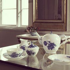 #flowerpower #teatime #royalcopenhagen #blueflower
